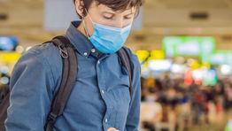 Airpor mask traveller phone