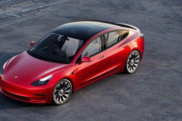 Tesla's Market Value Tops $1T After Hertz Orders 100K Cars