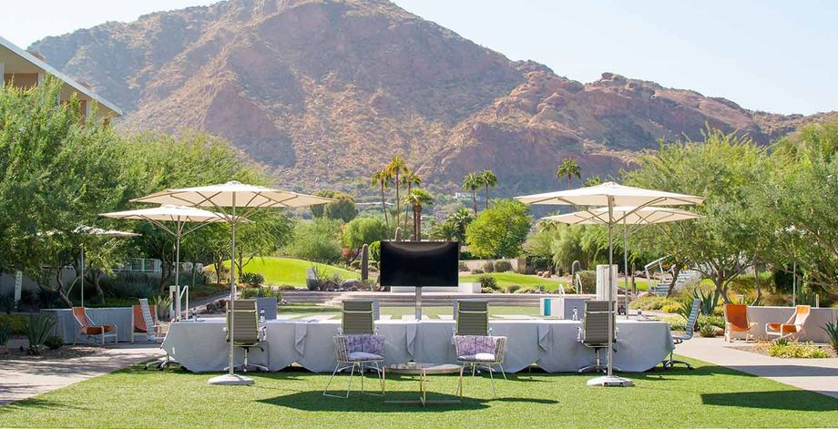 mountain-shadows-resort-arizona-outdoor-boardroom