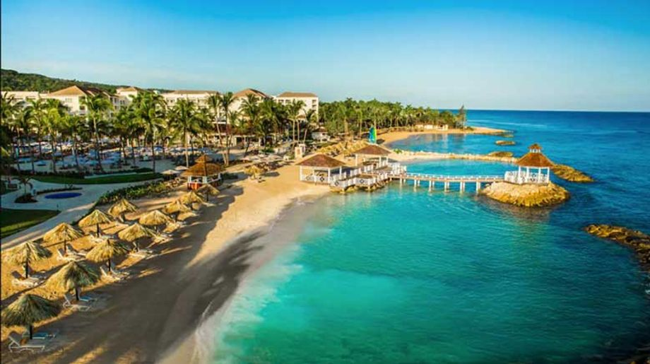 A three-night stay at the Hyatt Ziva Rose Hall, courtesy of Playa Hotels & Resorts, a partner of webcast sponsor Jamaica Tourist Board, was an incentive for attendees to remain engaged.