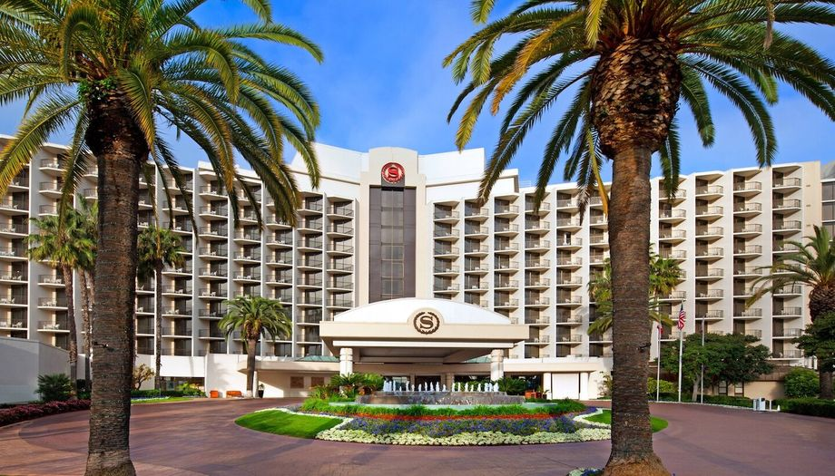 The Sheraton San Diego Hotel & Marina has a Sustainability Council, which meets quarterly.