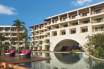 Secrets Akumal Riviera Maya Hyatt AMResorts