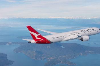 qantas-airways-plane