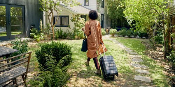 airbnb coronavirus layoffs