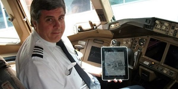 American Airlines grounds planes after iPad app fault