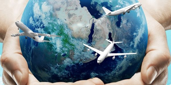 Amadeus secures Bangladesh Airways, Travelport gets Air Lituanica and AirAsia, and more...