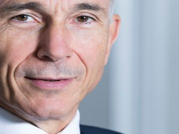 Outgoing IATA chief: airlines under pressure to keep up with tech