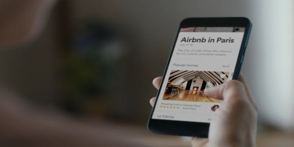 Why travellers choose Airbnb and how do they use it?