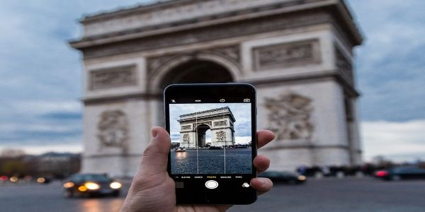 Landmarks feature highly in Facebook check-in study
