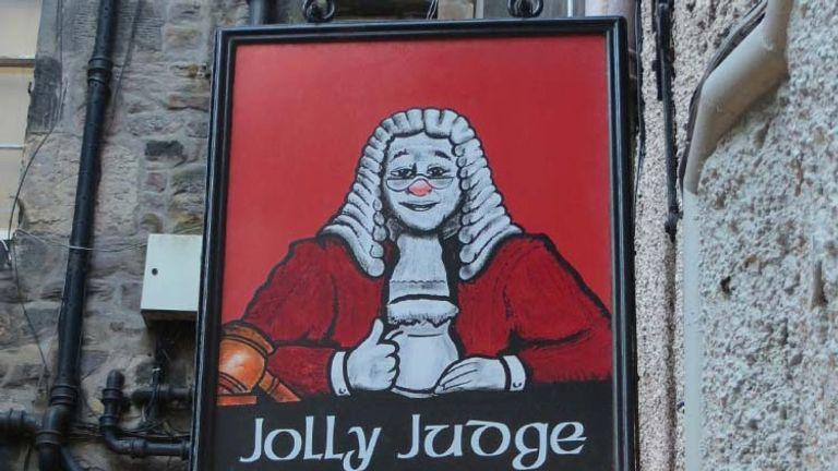 Edinburgh Pub Tourl PHOTO GALLERY