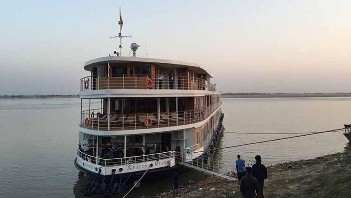 Myanmar With Avalon Waterways