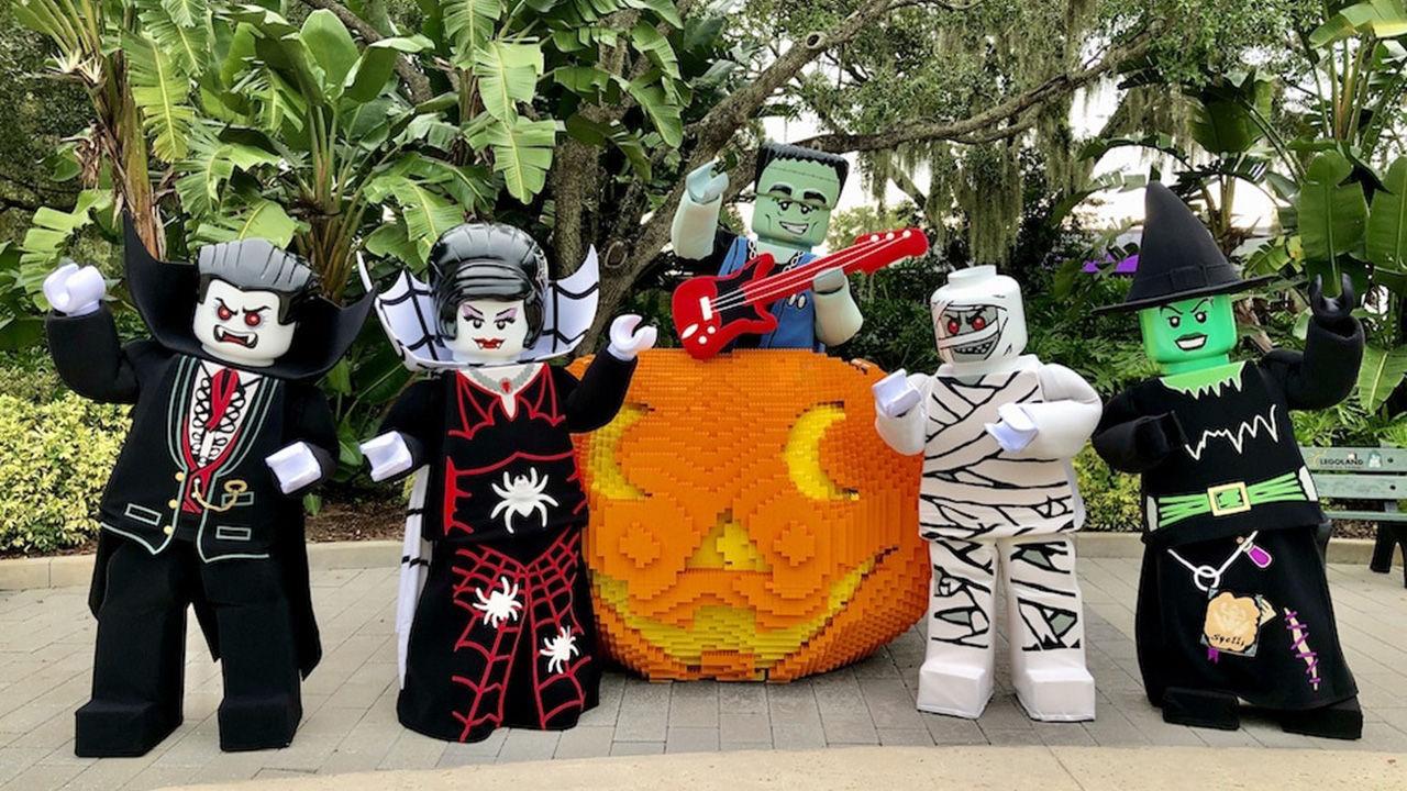 Halloween Theme Parks_HERO