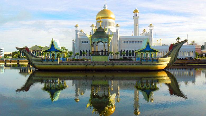 Sultan Omar Ali Saifudding Mosque, Bandar Seri Begawan, Brunei.