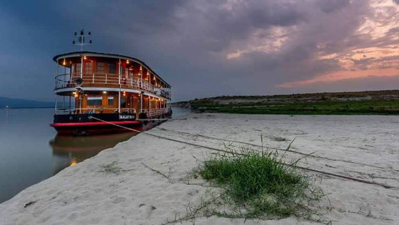 Pandaw will offer alternatives or refunds for affected passengers, and relaunch Myanmar sailings when advisories against travel are lifted.