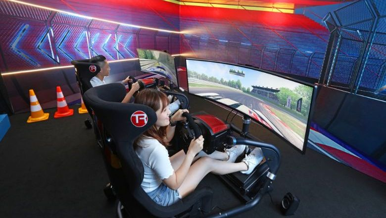 The Mira's Racing Simulation Experience.