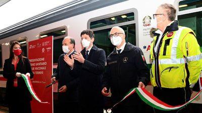 'Covid-free' train pulls into Italy