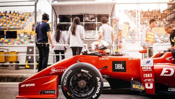 旅行社还可以在重大赛事活动(如澳门格兰披治大赛车)期间,适时策划安排摄影工作室的摄影服务。