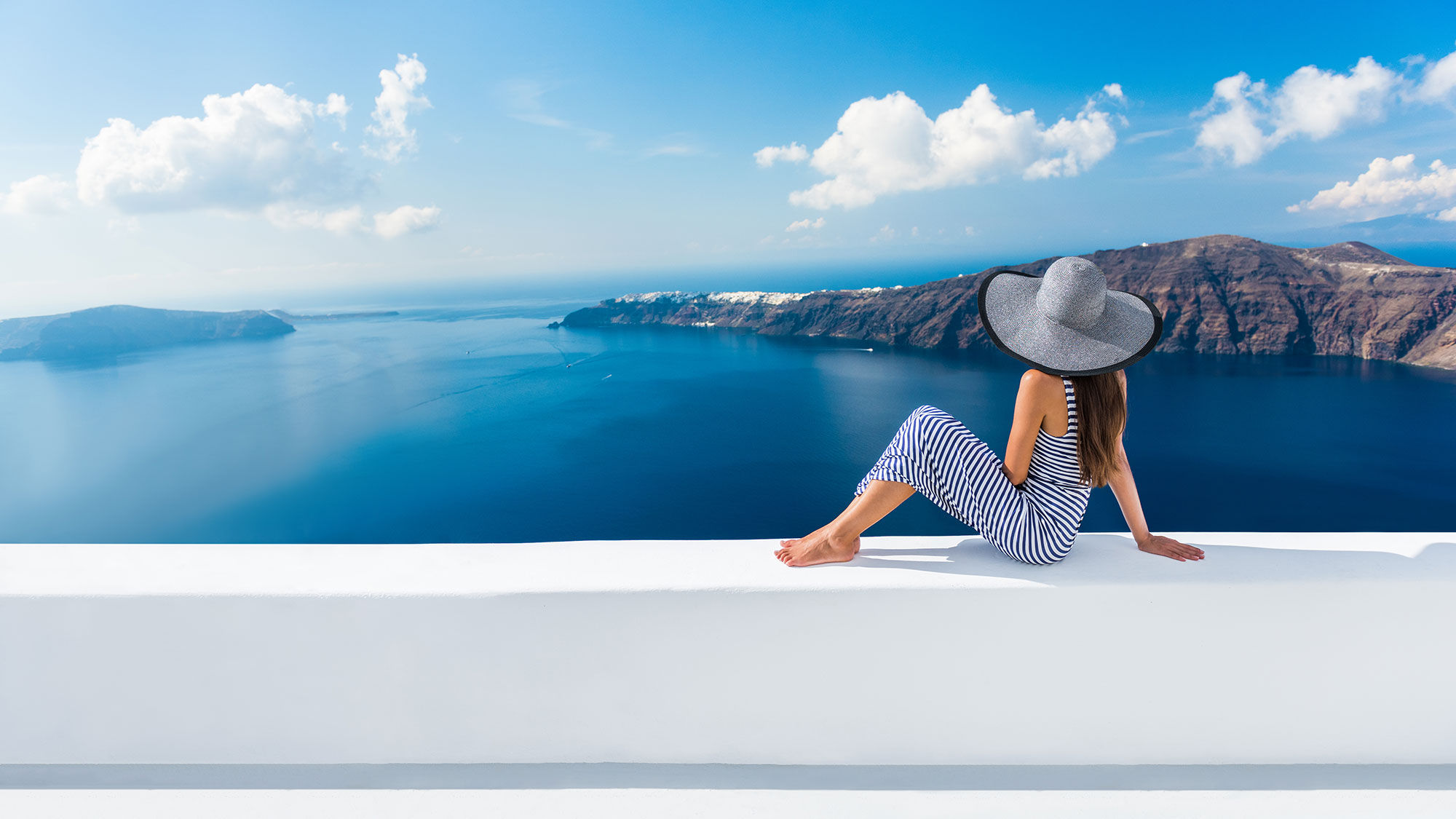 Luxury traveler [Credit: Maridav/Shutterstock.com]