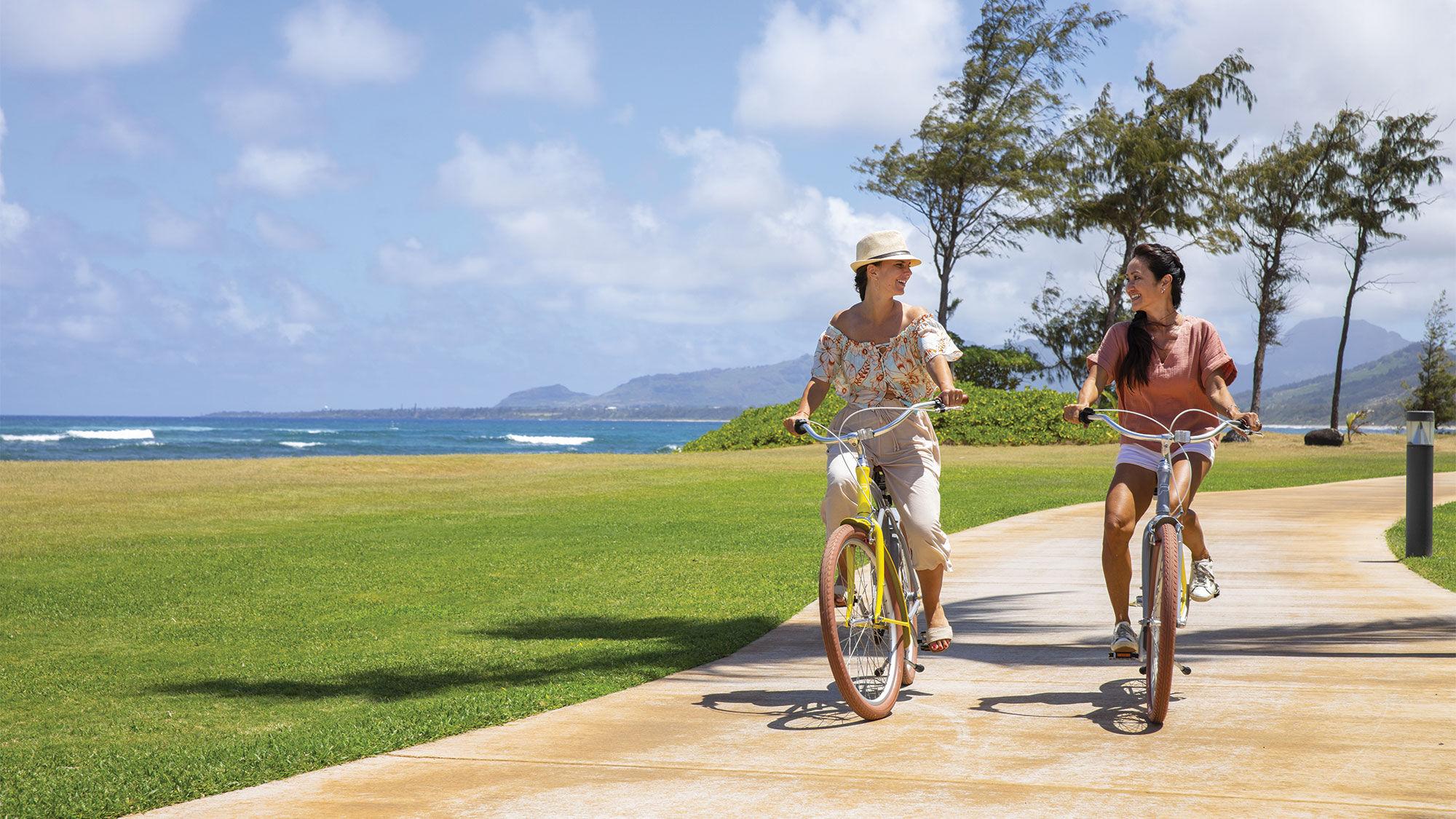 T0802SheratonKauaiBikes_C_HR [Credit: Courtesy of the Sheraton Kauai Coconut Beach Resort]