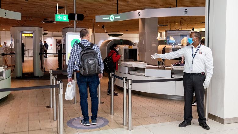 T1004SCHIPHOLSECURITY_HR_C [Credit: Amsterdam Schiphol Airport]