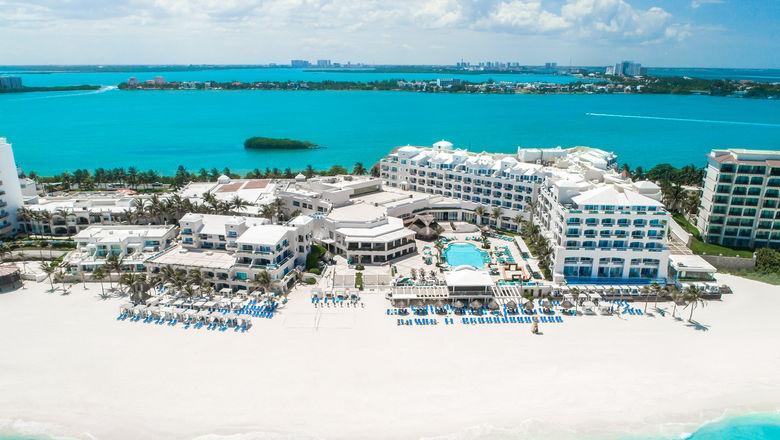 T1011WYNDHAMALLTRACANCUN_C_HR [Credit: Playa Hotels & Resorts]