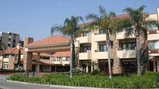 Tropicana Inn & Suites