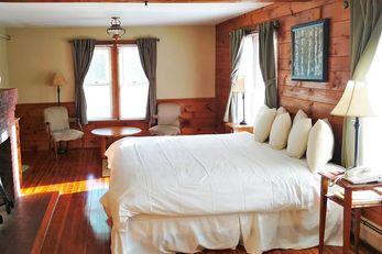 Woodbound Inn