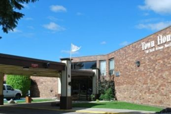 TownHouse Hotel Grand Forks