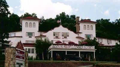 The Historic Summit Inn Resort
