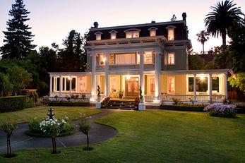 Churchill Manor Bed & Breakfast