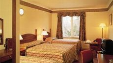 Treacys West County Hotel