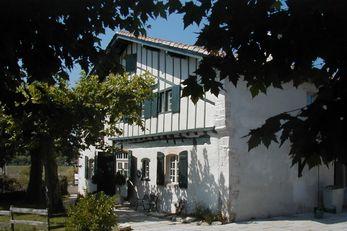 Domaine De Bassilour Chateaux