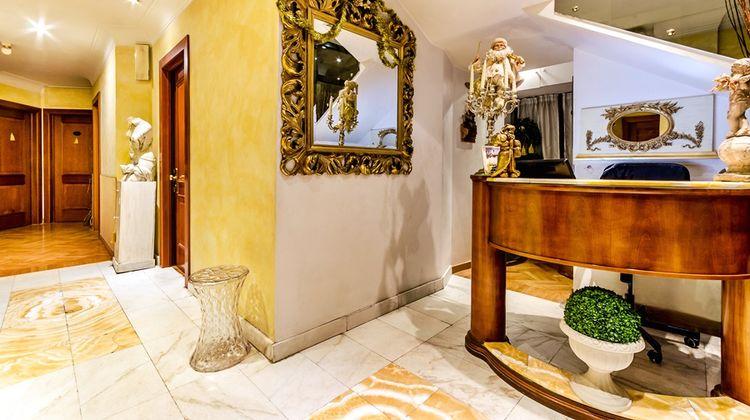 H2000 Roma Lobby