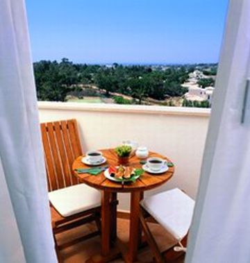 Vale Del Rei Suite & Village Resort