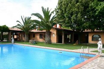 Villa Valente Village & Country Club