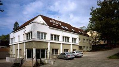 Hotel Silenzio