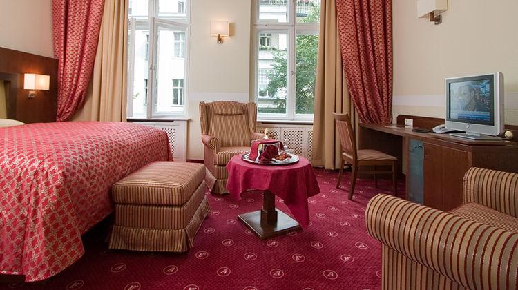 Augusta Hotel Room