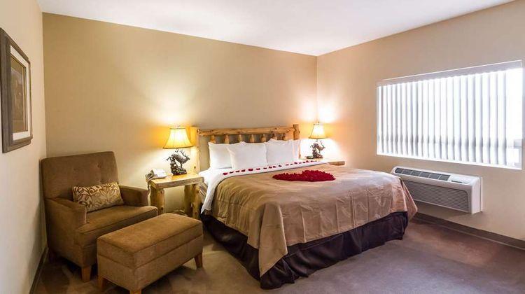 Quality Inn North Park Lodge Room