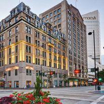 The Cincinnatian Hotel, Curio Coll