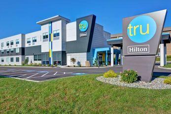 Tru by Hilton Syracuse North Airport