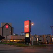 Ramada by Wyndham Cedar Rapids