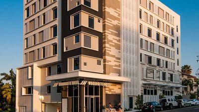Woodroffe Hotel, Gold Coast