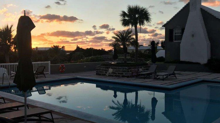 Rosemont Guest Suites Pool