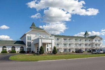 Clarion Hotel & Suites