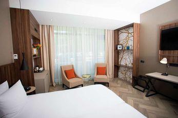 DoubleTree by Hilton Royal Parc