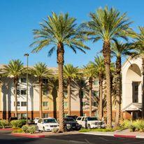 Sonesta Simply Suites Convention Center