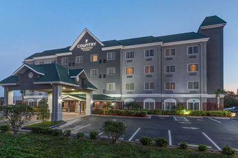 Country Inn & Suites St. Petersburg, FL