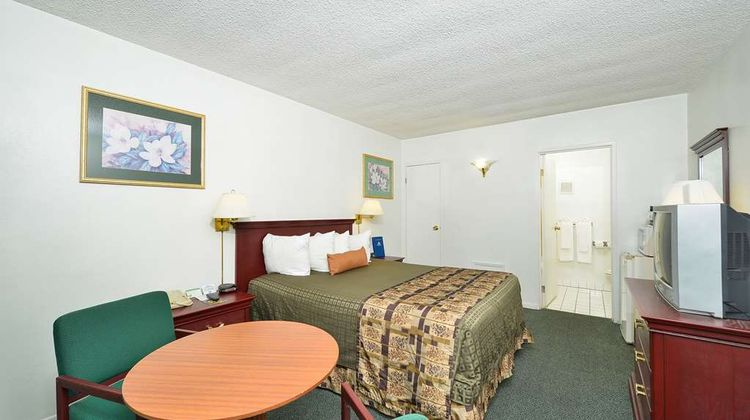 Americas Best Value Inn Chico Room