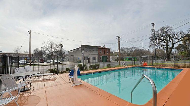 Americas Best Value Inn Chico Pool