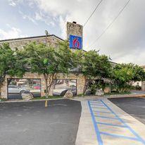 Motel 6 San Antonio Northwest